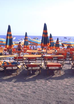 beach chairs and umbrellas positano